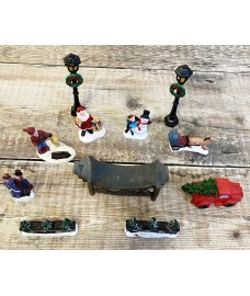 Replacement Figurines & Scenery for GFK422 Christmas Village Scene